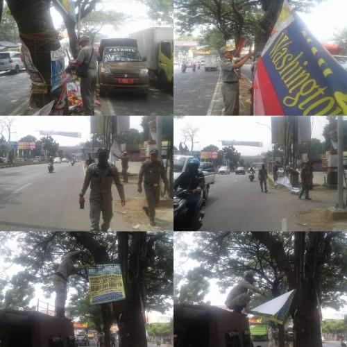 Penertiban Spanduk di Jalan Transyogi Alternatif Cibubur Desa Nagrak Kecamatan Gunungputri